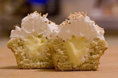 Catherine's Cookings: Cardamom cupcakes with vanilla custard filling and marshmallow frosting
