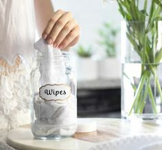 DIY Disinfecting Wipes (Natural & Reusable) - DIY Hand Sanitizer with Vodka Ways: Spray or Gel) – A Life Adjacent Estás en el lugar correcto - Diy Glass Cleaner, Diy Sanitisers, Homemade Stain Removers, Vodka, Clorox Bleach, Natural Air Freshener, Disinfecting Wipes, Rubbing Alcohol, Natural Cleaning Products