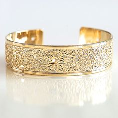Gold, Gold cuff, cuff bracelet, Gold bracelet, gold bangle, dots bracelet, dots, gold jewelry, hammered design, circles jewelry, modern on Etsy, $77.00