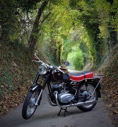 Classic Motors, Old Skool, Kustom, Garages, Scrambler, Motorbikes, Classic Motorcycle, Vehicles, Motorcycles