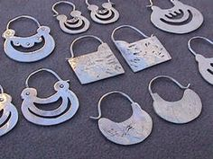 Mapuche earrings: got 'em :) Ethnic Jewelry, Bohemian Jewelry, Metal Jewelry, Sterling Silver Jewelry, Antique Jewelry, Silver Earrings, Gold Jewelry, Jewelry Accessories, Jewelry Design