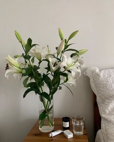 Flower Aesthetic, White Aesthetic, Aesthetic Vintage, Fresh Flowers, Pretty Flowers, Aesthetic Pictures, Life Is Beautiful, Room Inspiration, Planting Flowers