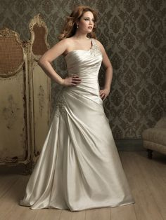 The most flattering wedding dress styles and looks for the plus size bride Plus Size Wedding Gowns, Wedding Dresses 2014, Bridal Dresses, Bridesmaid Dresses, Prom Dresses, Dress Wedding, Dresses 2013, Modest Wedding, Formal Dresses
