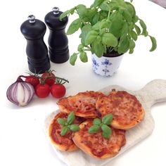 image Bruschetta, Ethnic Recipes, Image, Food, Essen, Meals, Yemek, Eten