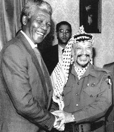 insieme a Yasser Arafat Nelson Mandela, Palestine, Yasser Arafat, Sky Man, African National Congress, Egypt Travel, Great Leaders, Male Face, Civil Rights