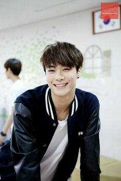 Moonbin ♡ Never give up on the lovely things that make you happy ♡