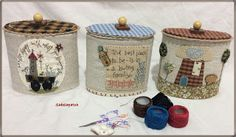 Cajas redondas                                                                                                                                                      Más Japanese Patchwork, Crafts For Kids, Diy Crafts, Country Charm, Love Sewing, Tissue Boxes, Decoupage, Candle Holders, Patches