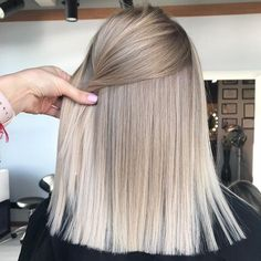 hair blonde fringe waves ideas Super hair blonde fringe waves ideasSuper hair blonde fringe waves ideas Amazing Blends Of Balayage Hair Colors for Women in 2019 Hairstyles With Bangs, Cool Hairstyles, Hairstyle Ideas, Blonde Haircuts, Long Blonde Hairstyles, Female Hairstyles, 1940s Hairstyles, Fashion Hairstyles, Updo Hairstyle