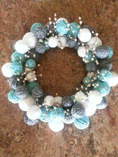 yarn ball wreath christmas