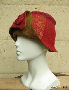 Pam de Groot: Playing with hats Fascinator Hats, Fascinators, Flapper Hat, Love Hat, Cool Hats, Felt Fabric, Felt Hat, Wet Felting, Bandeau