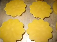 How to make Body Butter Bars, Recipe with Beeswax, Cocoa Butter, Palm and Olive Oil.