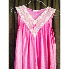 Vintage nightgown  Super cute hot pink nightgown with lace trim, SZ M Vintage Intimates & Sleepwear