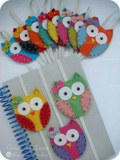 The best DIY projects & DIY ideas and tutorials: sewing, paper craft, DIY. DIY Gifts & Wrap Ideas 2017 / 2018 These sweet little, felt owls make lovely book marks or keep your book closed in your bag so the pages don't get Fabric Crafts, Sewing Crafts, Sewing Projects, Craft Projects, Paper Crafts, Felt Projects, Owl Crafts, Crafts For Kids, Adult Crafts