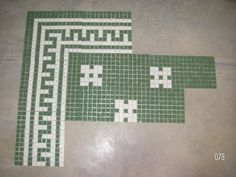 Interesting green and white tile pattern for the back entry http://www.restorationtile.com/galleries/shoppics/images/078.jpg
