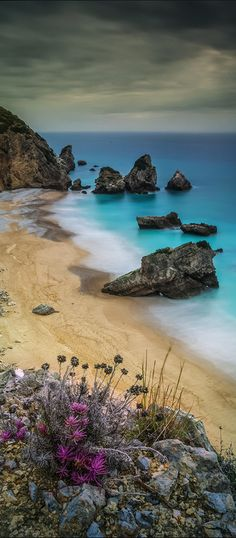 Lost paradise, Sesimbra, Portugal (by Emanuel Fernandes)