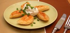 Homemade Pierogies Dough cup cold mashed potatoes 2 tablespoons shortening 3 egg yolks cup warm water 1 to 2 cups flour . Side Dish Recipes, Great Recipes, Vegan Recipes, Cooking Recipes, Favorite Recipes, Homemade Perogies, Pasta Plus, Pierogi Recipe, Campfire Food