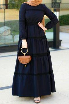 Annah Hariri, Online, Modest clothing atelier of high end quality Modest Fashion Hijab, Abaya Fashion, Muslim Fashion, Fashion Outfits, Islamic Fashion, Modest Maxi Dress, Boho Dress, Dress Red, Hijab Dress