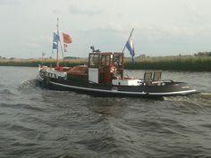 Fryslân - Slepertje Boats, Sailing, Ships, Sea, Beautiful, Candle, The Ocean, Ocean, Boat
