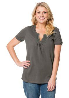 Typ , Shirt, |Materialzusammensetzung , 95% Baumwolle, 5% Elasthan, |Ausschnitt , V-Ausschnitt, |Ärmelstil , Kurzarm, |Gesamtlänge , Größenangepasste Länge von ca. 72 bis 80 cm, | ...