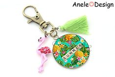 Porte-clés Ananas Fleurs tropicales, Summer, flamant rose pompon vert cabochon, jaune vert rose cadeau femme Rose Pompon, Amazon Fr, Bronze, Personalized Items, Design, Pom Poms, Yellow Black, Green, Tropical Flowers