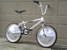 Flanelcamel's 1985 VDC Freestyler with Trueline aluminum wheels and Hutch Aerospeed cranks.  Doesn't get more rare and expensive as this bike!