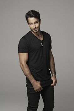 For Jack Sandoval, the hunky warlock detective in Defender, definitely Aaron Diaz! Aaron Diaz, Latino Actors, Bearded Men, Cute Guys, Male Models, Sexy Men, Eye Candy, The Originals, Celebrities