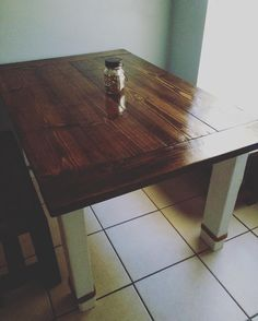 One of our tables and matching benches all set up in a new home!  #table #bench #wood #woodwork #woodworking #lumber #lumberjack #etsy #etsyusa #etsyfind #etsygram #floridalife #rustickitchen #kitchendecor #rustic de crafty_ryans