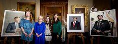 Bussemaker onthult staatsieportretten koning #hm