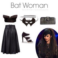 BAT WOMAN ¿Quieres un look perfecto para la noche de Halloween? Aquí te proponemos este outfit inspirado en Batman con un espectacular peinado realizado con una plancha con accesorio para pelo ondulado.