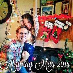 Baby pregnancy announcement : I spy with my little eye... A tiny new Christmas decoration