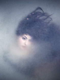 Muerta bajo en hielo por Erin Mulvehill