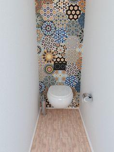 Transform your bathroom with boho tiles - Verwandeln Sie Ihr Badezimmer mit Boho-Fliesen - # Fliesen interior walls Toilet Closet, Bathroom Closet, Shower Bathroom, Downstairs Toilet, Bathroom Toilets, Bathroom Inspiration, Bathroom Ideas, Cloakroom Ideas, Bathroom Designs