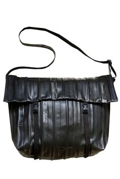 Recycling mania - Acqua tre | bags made with upcycled bycicle inner tubes | Kontiki