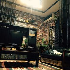 ソファの下収納/DIY/ティランジア/IKEA/壁紙屋本舗/いなざうるす屋さん…などのインテリア実例 - 2016-02-19 17:51:50   RoomClip(ルームクリップ)