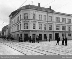lokalhistoriewiki.no. Her: Deichmanske filial på Grønland i 1924