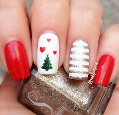 Best Christmas Nails for 2017 - 64 Trending Christmas Nail Designs - Best Nail Art Christmas Tree Nails, Christmas Nail Art Designs, Xmas Nails, Holiday Nails, Red Nails, Winter Christmas, Easy Christmas Nail Art, Xmas Trees, Brown Nails