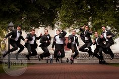 Amazing groomsmen picture #weddingphoto