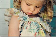 Beautiful linen dress by PetiteBellaaa on Etsy Focus Photography, Unisex, Simple Elegance, Chic Dress, Linen Dresses, Saree Blouse Designs, Diy Clothes, Beautiful Dresses, Etsy