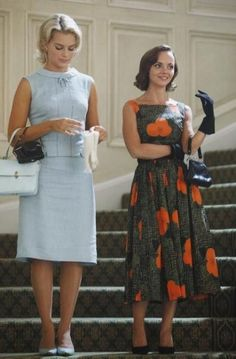 "Laura (Margot Robbie) and Maggie (Christina Ricci) in Pan Am 1.3: ""Ich Bin Ein Berliner"""