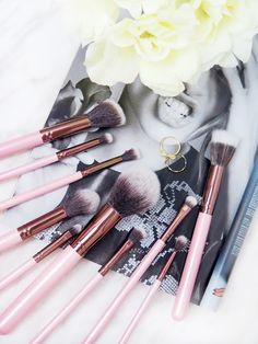 Luxie Beauty Synthetic Makeup Brushes | Review | Rose Gold & Baby Pink Makeup Brushes | labellesirene.ca