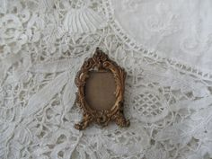 Antique miniature frame  1900 stand needed by Nkempantiques