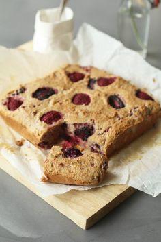Kokoscake met bramen en frambozen, Gezonde cake recepten, Gezonde tussendoortjes, Glutenvrije tussendoortjes, Suikervrije tussendoortjes, Suikervrije cakes, Glutenvrije foodblogs, Beaufood recepten, Cakes havermout, Cakes glutenvrij bakmeel