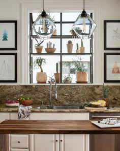 Unique Kitchen Lighting Ideas for Your Wonderful Kitchen Decor, Grand Kitchen, Kitchen Decor, Modern Kitchen, Cool House Designs, House Interior, Bachelor Pad, Rustic Kitchen Lighting, Kitchen Design