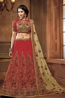 Looking for Lehenga Online: Buy Indian lehenga choli online for brides at best price from Andaaz Fashion UK. Choose from a wide range of latest lehenga designs. Bollywood Lehenga, Bridal Lehenga Choli, Silk Lehenga, Indian Bollywood, Saree, Costumes Anarkali, Anarkali Gown, Salwar Kameez, Sun