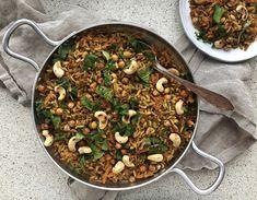 Vegeviettelys: Paistettu riisi ja rapeat kikherneet Garam Masala, Tahini, Paella, Ethnic Recipes, Food, Essen, Meals, Yemek, Eten