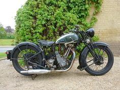 1933 BSA M33-11 Sloper 600cc British Motorcycles, Cool Motorcycles, Vintage Motorcycles, Motorcycle Types, Motorcycle Engine, Motor Scooters, Motor Car, Harley Bikes, Vintage Classics