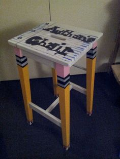 DIY Author's Chair!  Cute, but does not look like a chair - technically would make it a desk or tables.