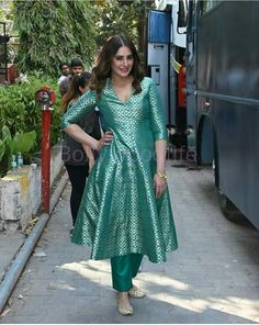Silk Kurti Designs, Churidar Designs, Indian Gowns Dresses, Brocade Dresses, Ethnic Outfits, Indian Outfits, Anarkali Suits, Punjabi Suits, Suit Fashion
