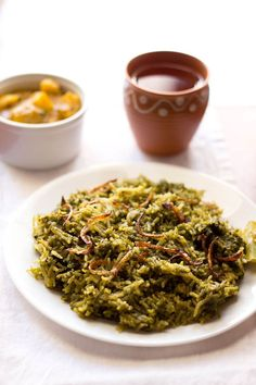 Palak Biryani Recipe with step by step photos. This is an easy and quick spinach biryani recipe unlike the regular biryanis. if you have spinach and want an easy as well as satisfying meal, then do make this green palak biryani. Veg Recipes, Indian Food Recipes, Asian Recipes, Vegetarian Recipes, Cooking Recipes, Arabic Recipes, Diabetic Recipes, Cooking Tips, Comida India