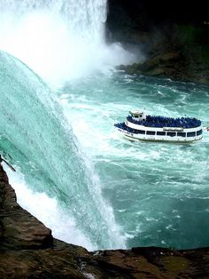 Niagara Falls- Maid of the Mist Boat Ride. AWESOME!